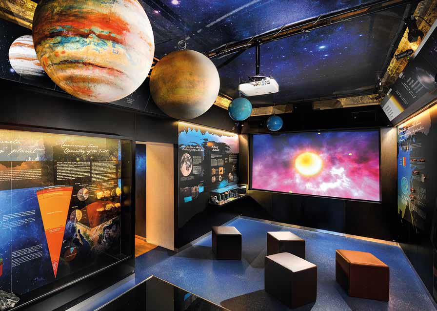 Múzeum odhaľuje návštevníkom aj vznik našej planéty a slnečnej sústavy.